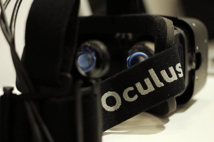 Oculus VR Headset : Types of VR and virtual reality headsets War Of Virtual Reality Devices: The Ultimate Comparison Of The Best VR Headsets