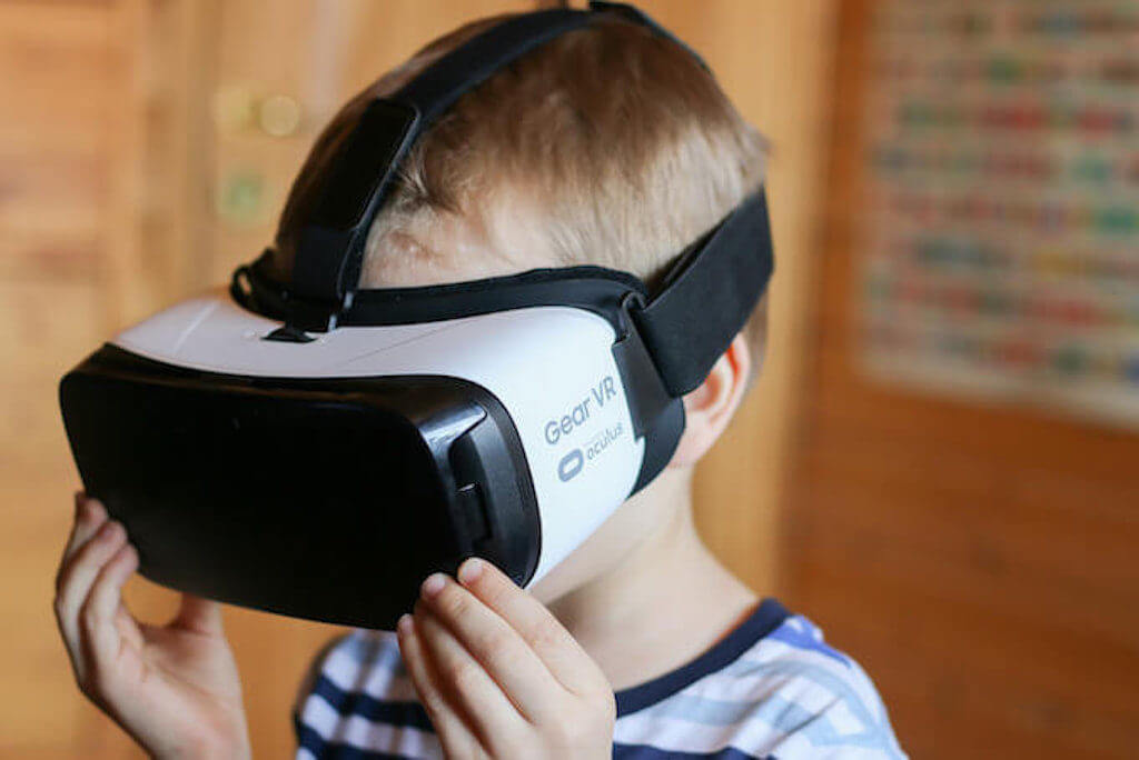 Benefits of Virtual Reality For Children: Everything Parents Must Know
